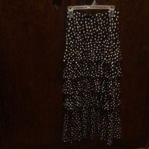 Dresses & Skirts - Ladies ruffle skirt